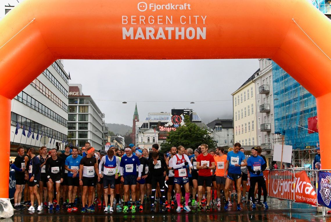 Starten i Bergen City Milen er på Torgalmenningen (foto: BCM/Jørgen Pettersen)