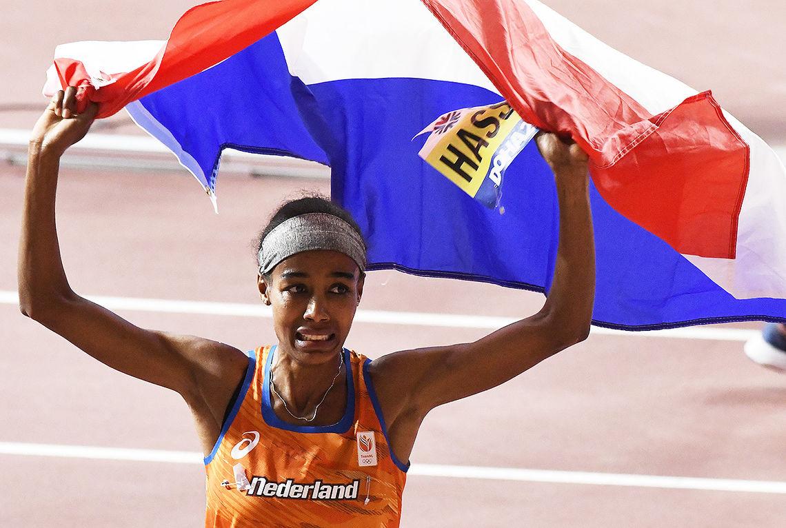 Aldri før har noen tatt gull på både 1500 og 10 000 m i samme VM. (Foto: Bjørn Johannessen)