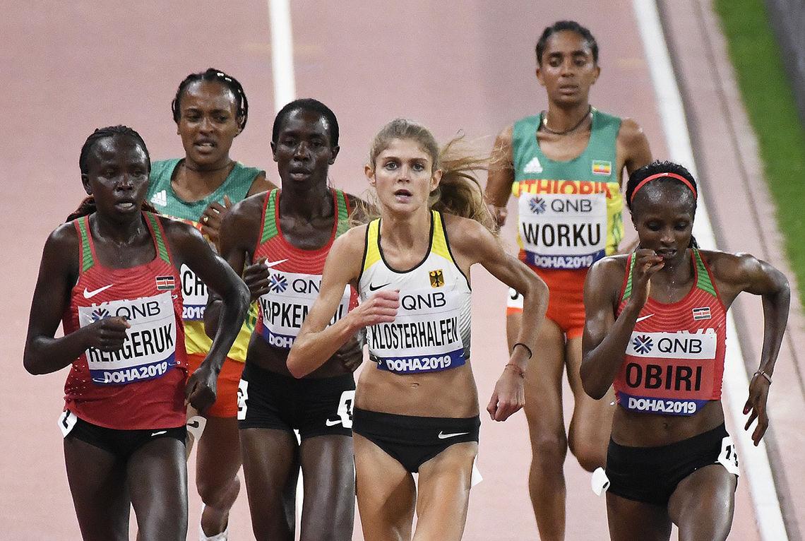 Det var Konstanze Klosterhalfen mot Øst-Afrika i størsteparten av 5000 m-løpet. (Foto: Bjørn Johannessen)