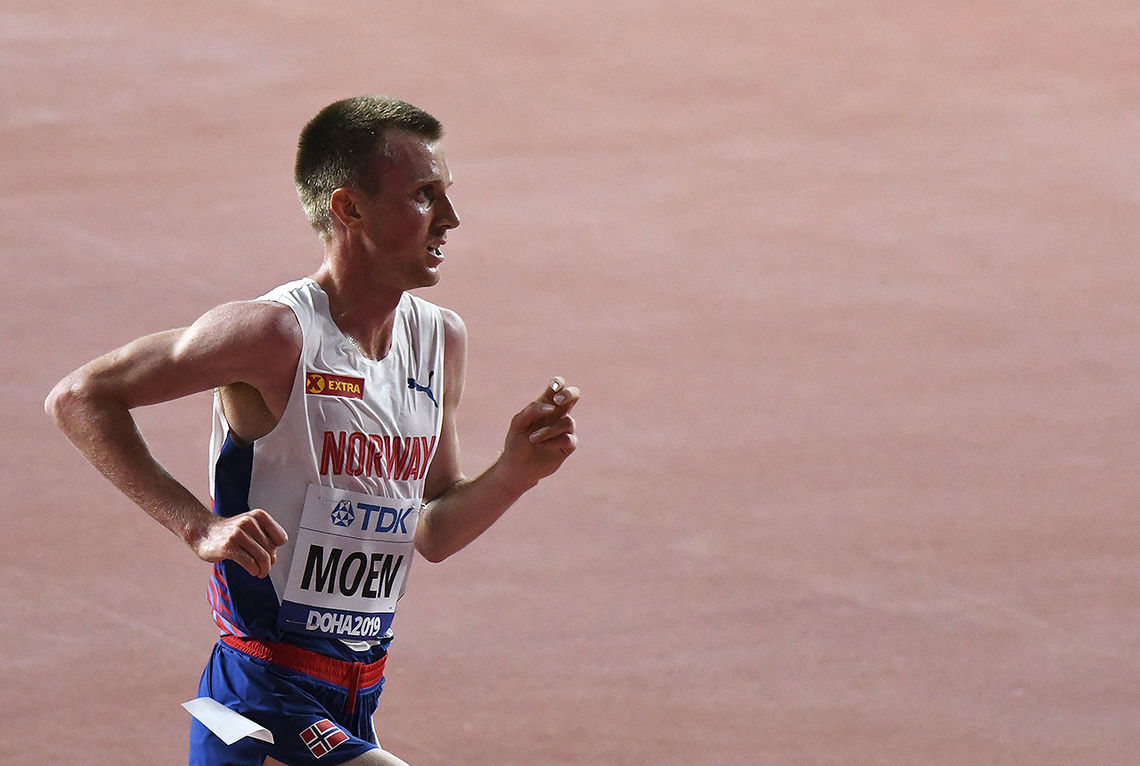 Sondre Norstad Moen hang med de beste i 3 500 meter, deretter  ble det en kamp for å holde farten oppe - og sikre en best mulig plassering. (Foto: Bjørn Johannessen)