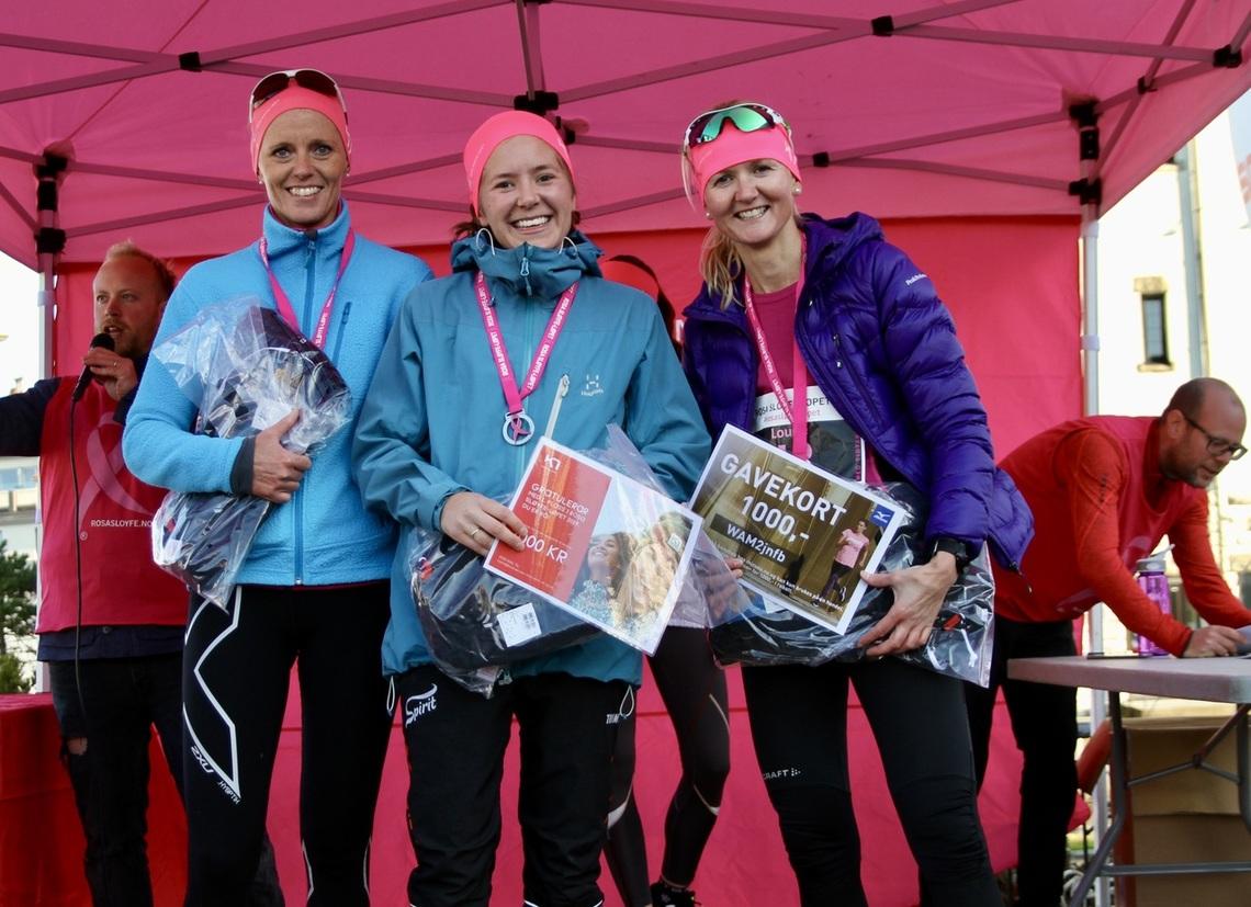 Naturlig nok var det kvinnene som fikk mest oppmerksomhet i løpet, noe også de beste kvinnene fikk del i gjennom premieutdelingen. De tre beste kvinnene, fra venstre: May Evy Nesheim (3), Janne Elin Vatnaland (vinner) og Louise Skak (2)