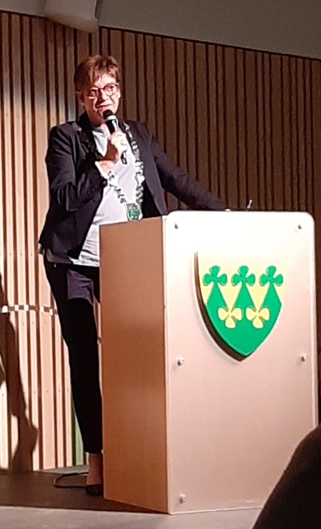 Ellen ordfører_beskjært.jpg