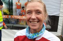 Synnøve Brox topper 5-kilometerslista for veterankvinner. Bildet er fra Hytteplanmila 2019. (Foto: Runar Gilberg)