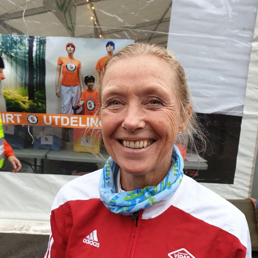 Synøve Brox topper den norske halvmaratonlista for kvinner i 2020 omregnet etter veterantabellen. Bildet er fra Hytteplanmila 2019. (Foto: Runar Gilberg)