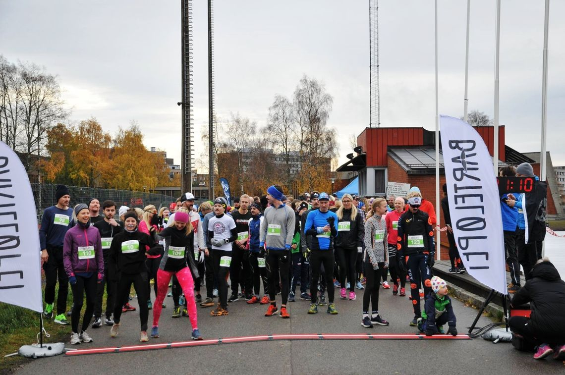 Aldri har det vel vært like mange barteprydede kvinner i Oslo som under fjorårets Barteløp. (Arrangørfoto)