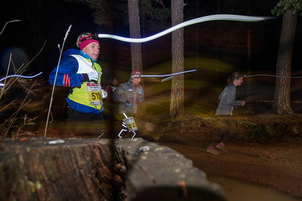 Løper-med-lyssøyle-farge.jpg