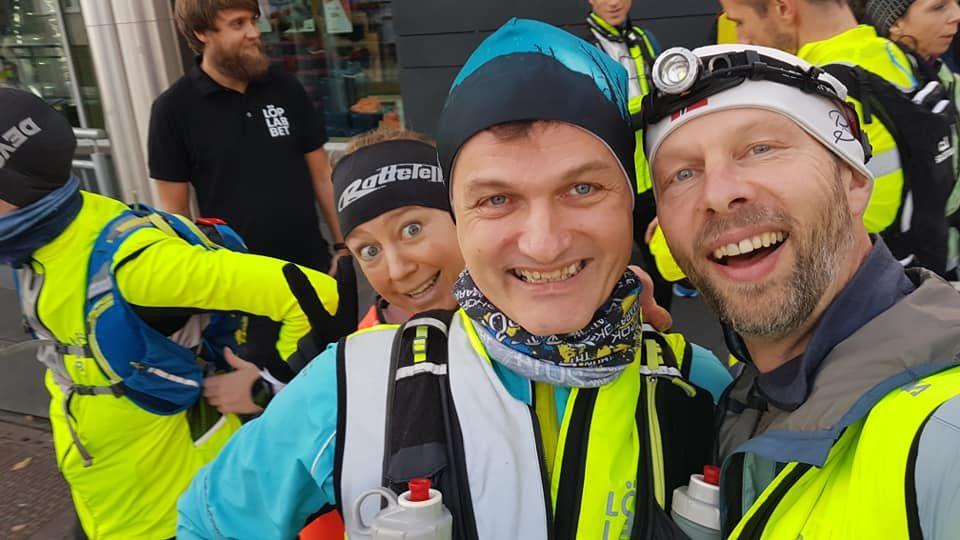 Heidi Grønvoll, Ragnar Nygård og Helge Reinholt var tre av de som fullførte Løplabbets Allehengensultra. For Ragnar var det hans fullførte ultraløp nr 100. (Selfie: Helge Reinholt)