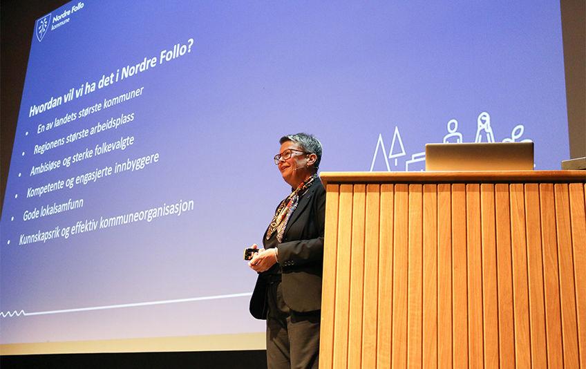 Rådmann Gro Herheim presenterer rådmannens forslag til Strategi- og handlingsplan 2020-2023. Foto:Karin Hanstensen,ØB