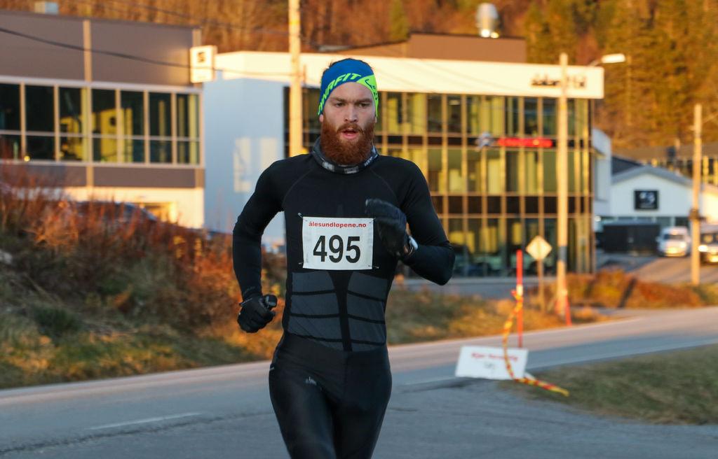Tryg-Arne Alnes Løkkeborg vant 10 km. Foto: Martin Hauge-Nilsen