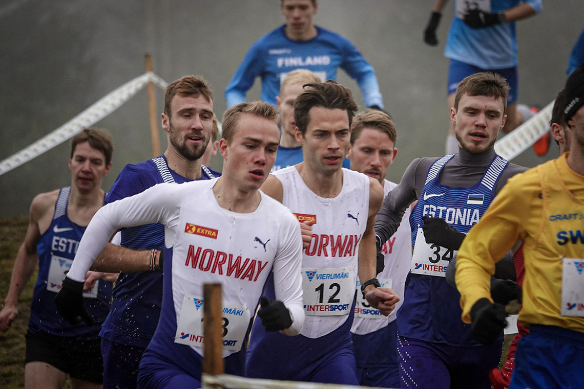 Her er Kasper Fosser ved siden av Ådne Andersen (Foto: Fredrik Vedvik).