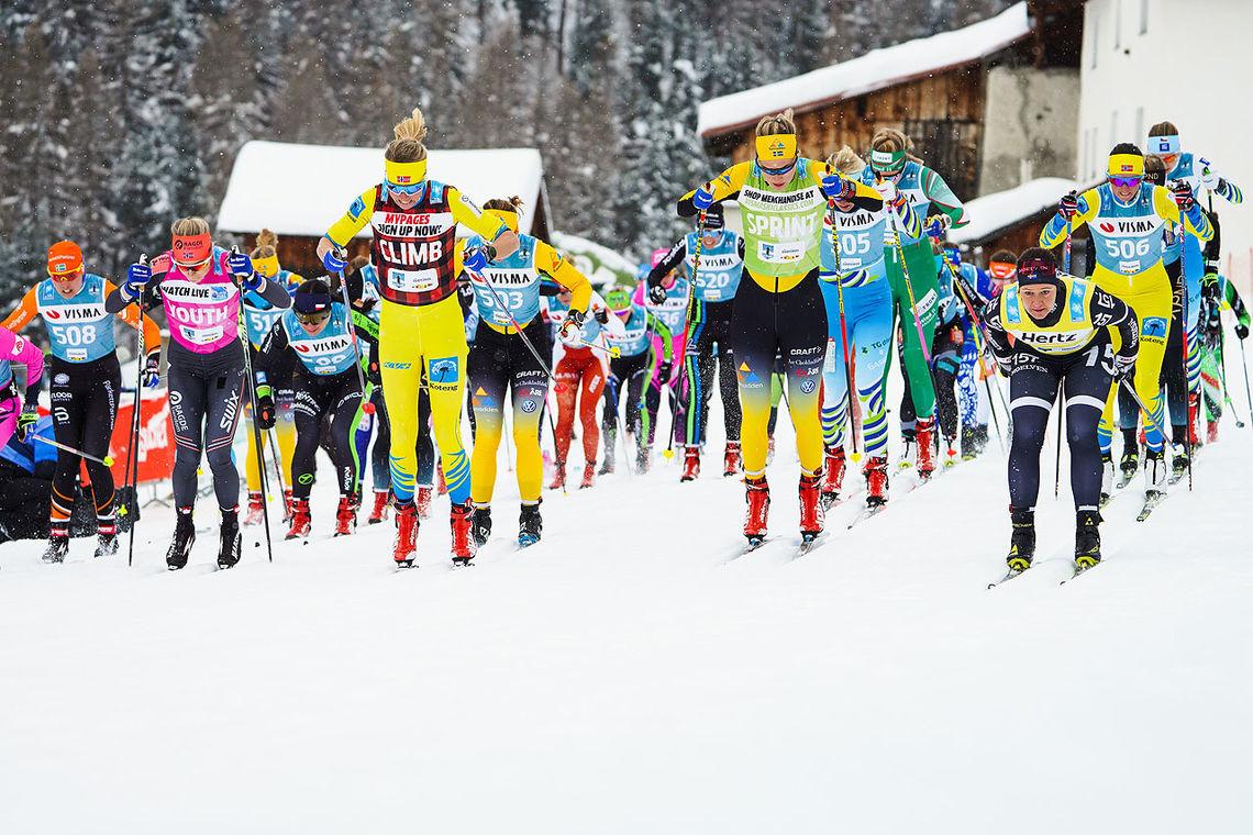 Astrid Øyre Slind og de fleste elitelangløperne staker på blanke ski. Men hvor mye har det for seg for vanlige skimosjonister å prøve på det samme? (Foto: La Venosta)