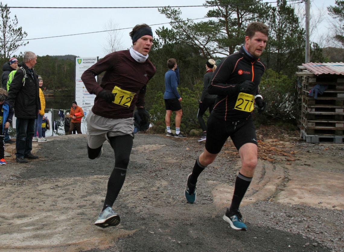 Jon Kristian Aasen og Owe Andre Mikkelsen i fjorårets løp.   Foto: Thomas Hetland.