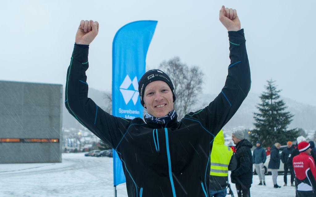 Martin Dons brukte siste del av juleferien til vinne Grimstadvatnet rundt. Foto: Martin Hauge-Nilsen