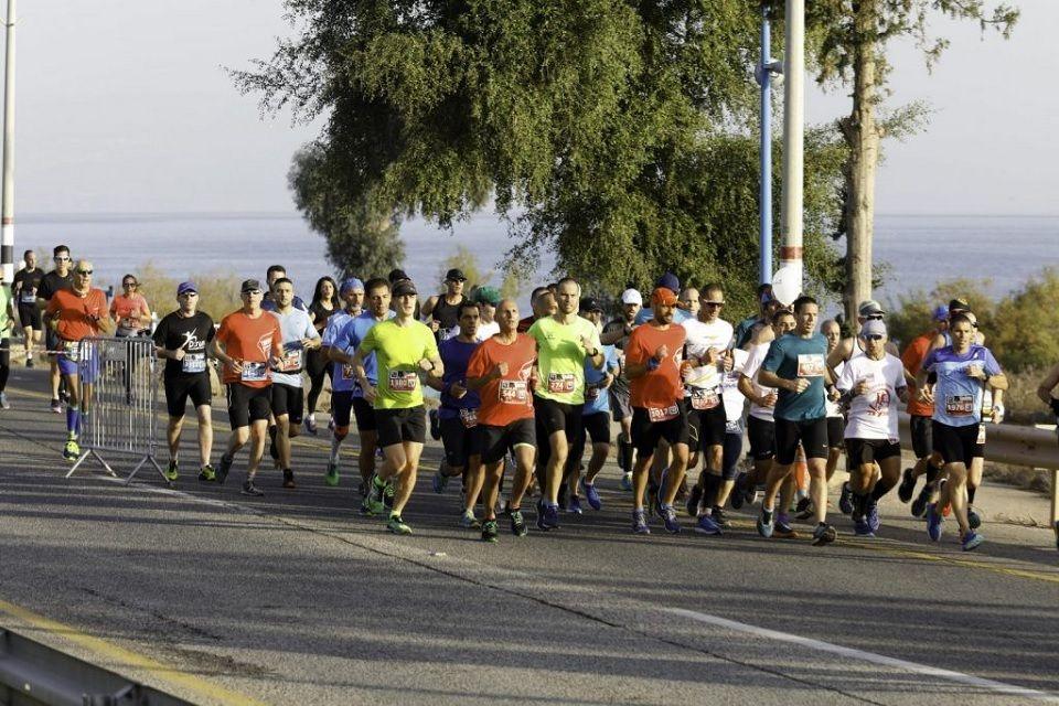 Fra Tiberias Marathon som går ved Galileasjøen i Israel (Arrangørfoto)