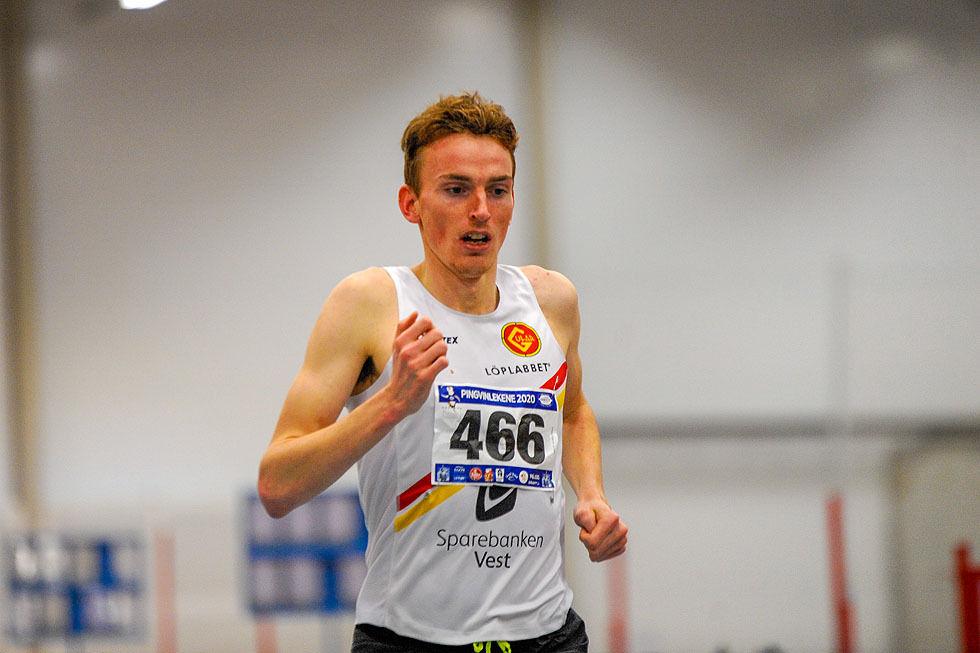 Marius Vedvik var i storform og sette innandørspers på 3000 m med 7.57,87 for ein månad sia. No må han omstille seg. (Foto: Arne Dag Myking)