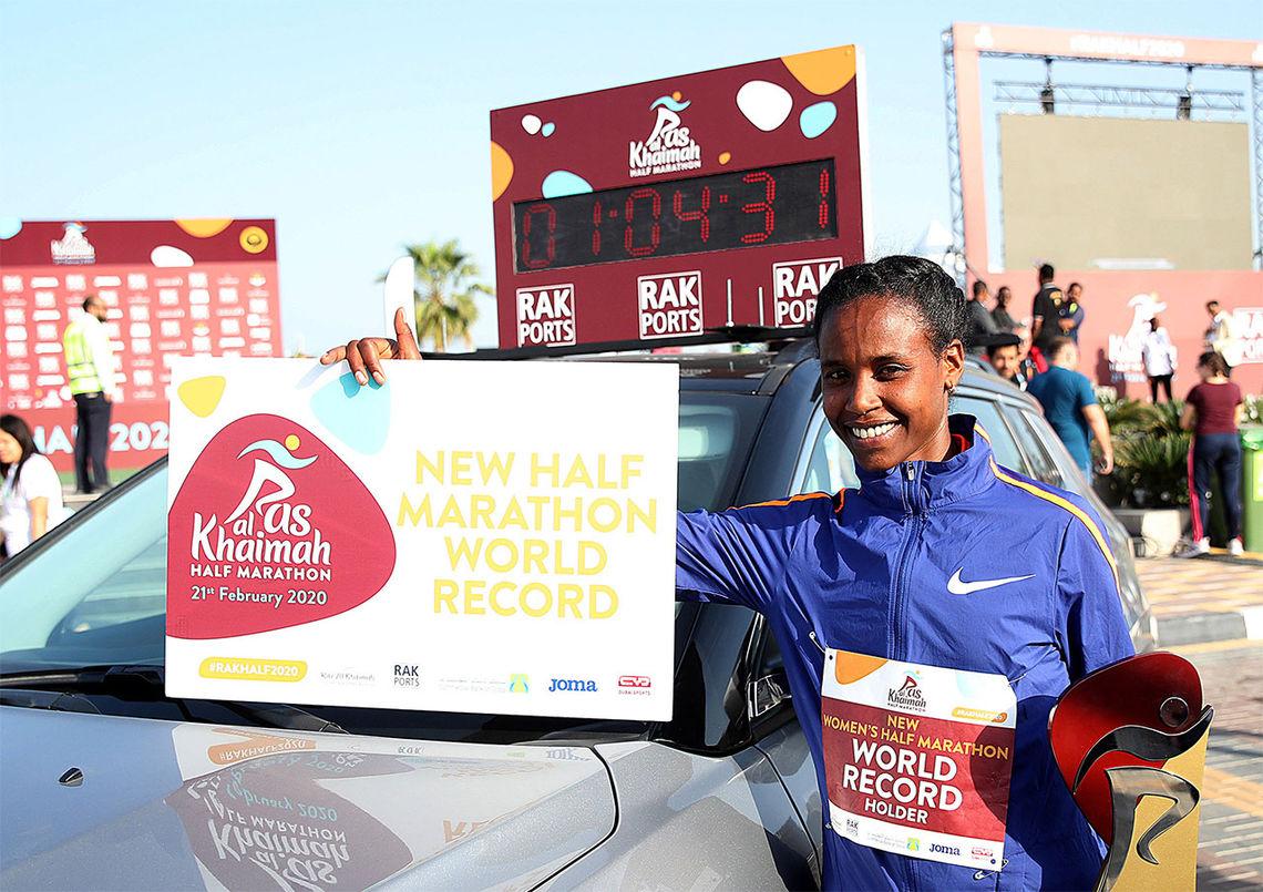 Ababel Yeshaneh kan glede seg over å være den nye verdensrekordinnehaveren på halvmaraton. (Foto: G. Colombo)