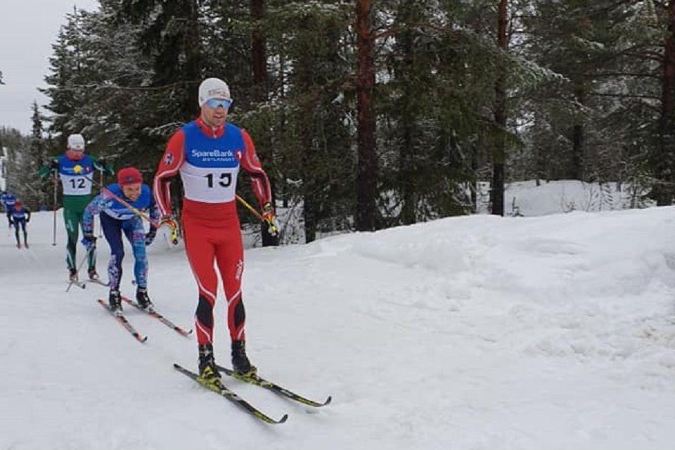 Jørgen Stensløkken i tet fra start i Røsjørennet lørdag. (Foto fra Nordre Tryil IL's facebookside)