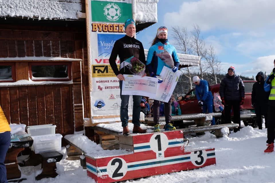 Anders Høst og Tiril Liverød Knudsen vant Vegglifjellrennet. (Arrangørfoto)