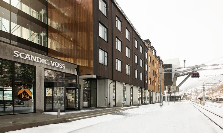 Scandic-Voss-Facade-Entrance-Gondola