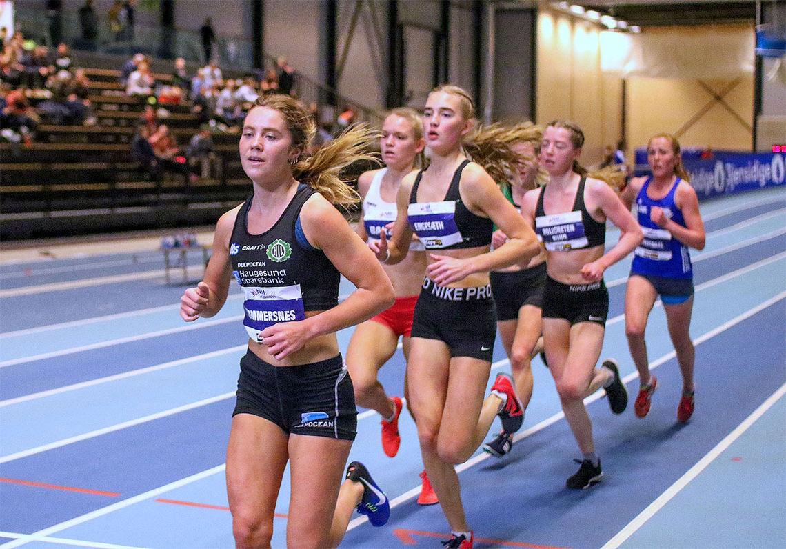 Kristine Lande Dommersnes tok kommando og sprang inn til gull på 3000 meteren i NM innandørs. (Foto: Arne Dag Myking)