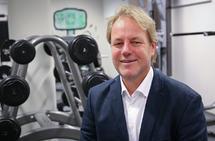 Professor Espen Tønnessen kommenterer sin egen studie om hvordan en bør legge opp terskeltreningen. (Foto: Høyskolen Kristiania)