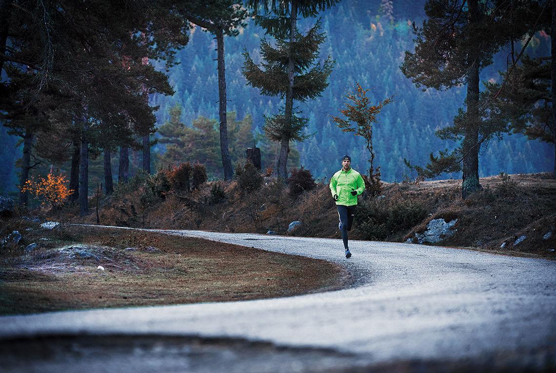 Löplabbet har testet ti skomodeller for asfaltløping og gir deg råd om hva du bør velge når du skal ha nye løpesko. (Foto: Asics)