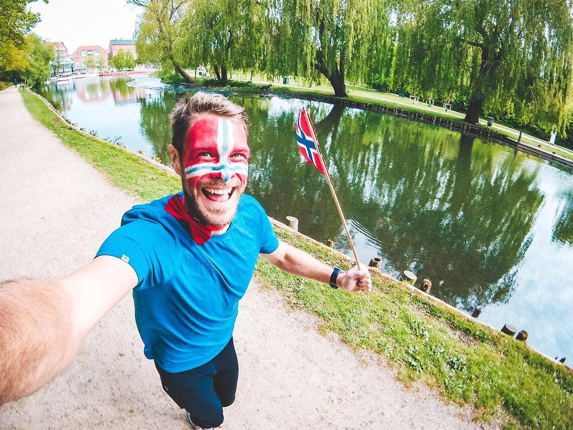 Med stor entusiasme løp triatleten Lars Ivar Henriksen sin Jordbærmil i vakre omgivelser i Danmark. (Foto: privat)