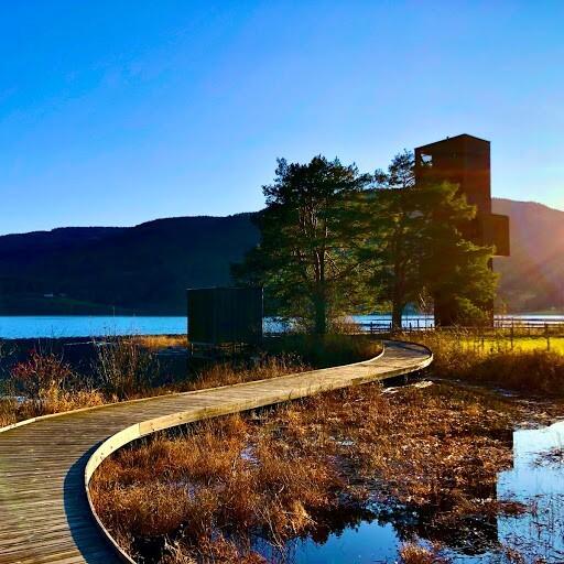 Sjøormtårnet i oktobersol. Foto F.A.Bystrøm