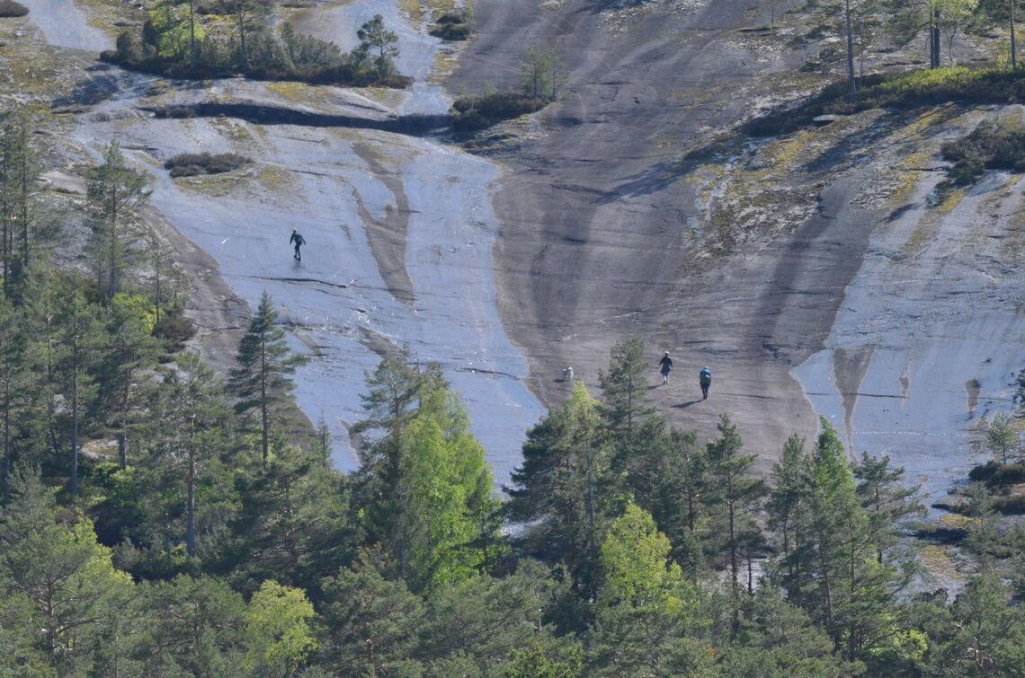Fem ganger skal løperne opp de beryktede Svåene ved foten av Skuggenatten dersom de skal fullføre ultraløpet 6. juni. (Arrangørfoto)