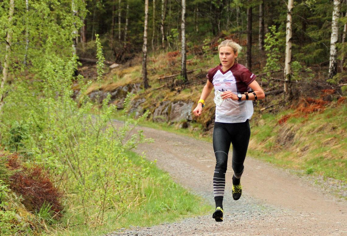 Pia Young Vik, Nydalen vant D17-18.