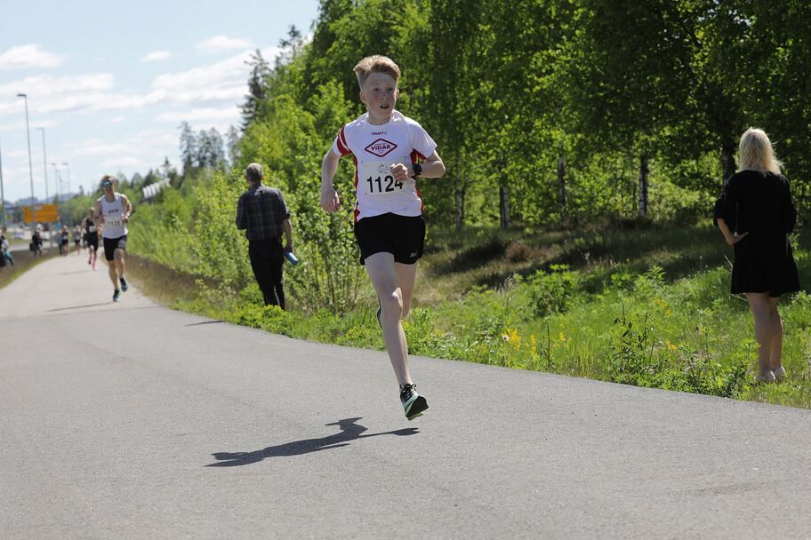 13 år gamle Sondre Strande Omland løp på imponerende 16.11.
