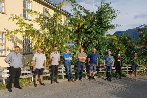 Aktivitets- og friluftsrådet (frå venstre): Jan Erik Weinback, Olav Skarsbø,  Yngve Håkonsen, Jørgen Hundseth, Karstein Fardal, Arnstein Menes (ordførar), Petter Stenstadvoll, Kristin Ylvisåker og Anne Skaar. Forfall: Bjørg H. Eikum Tang, Ida Bahus og Oddny Else Ylvisåker. (Foto: Arne Abrahamsen)