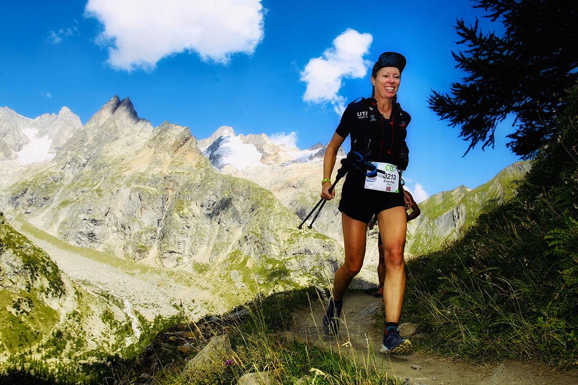 I sitt ess: Aller best trives Elise Hay Opsahl når hun får løpe langt i fjellet. Her ser vi henne i CCC-løypa i Ultra-trail du Mont Blanc i fjor. (Foto: Maindru Photo)