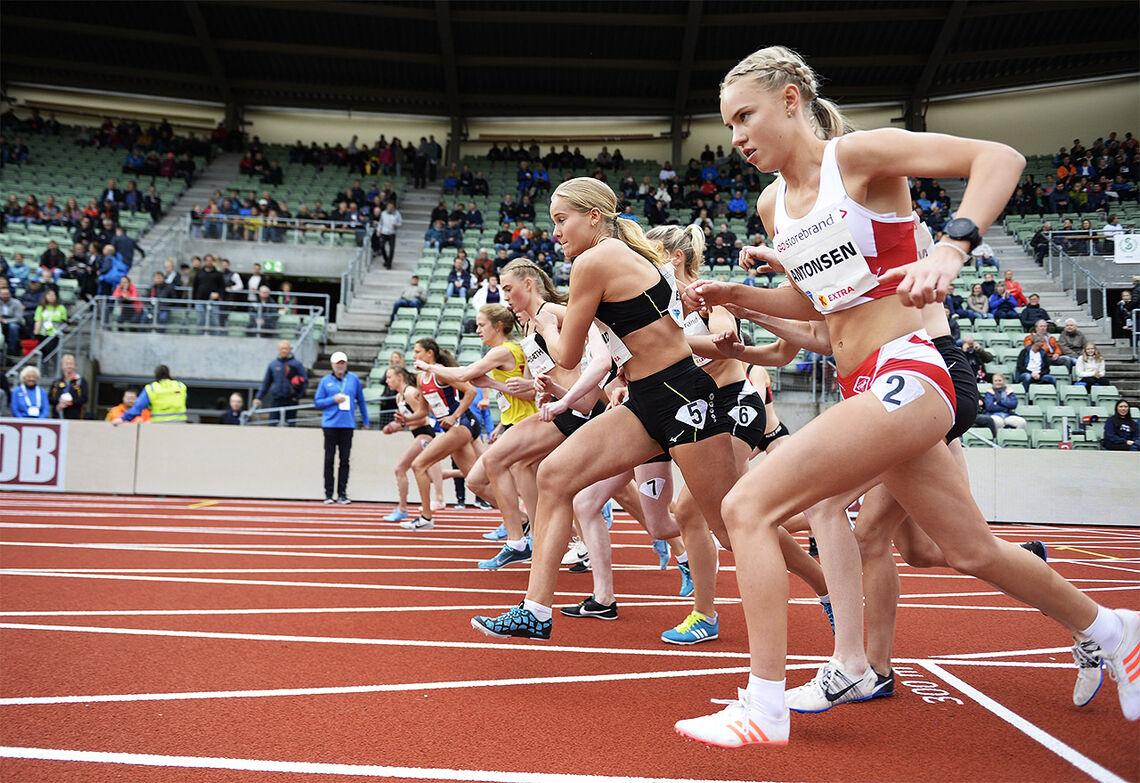 Pernille Karlsen Antonsen satte ny pers på 800 meteren i Nittedal. Her ser vi henne i aksjon under Bislett Games i fjor der hun løp 1500 m. (Foto: Bjørn Johannessen)