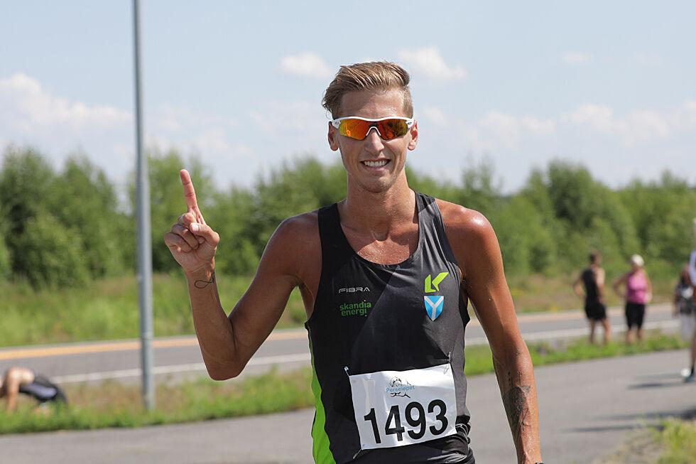 Kristian Tjørnhom fra Kristiansand Løpeklubb var helt suveren på 5 km under Perseløpet lørdag. (Foto: Bjørn Hytjanstorp)