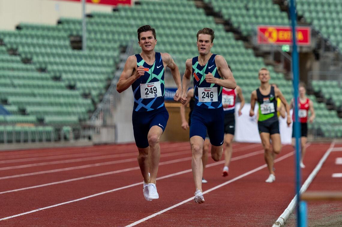 Både Jakob og Filip Ingebrigtsen kom seg ned på 1.46-tallet på 800 m på Bislett i kveld. (Foto: Samuel Hafsahl)
