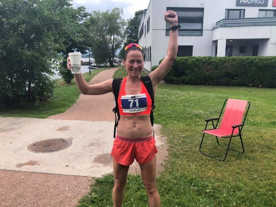 Kristine Beate Walhovd jubler for seier og sterk tid. (Arrangørfoto)