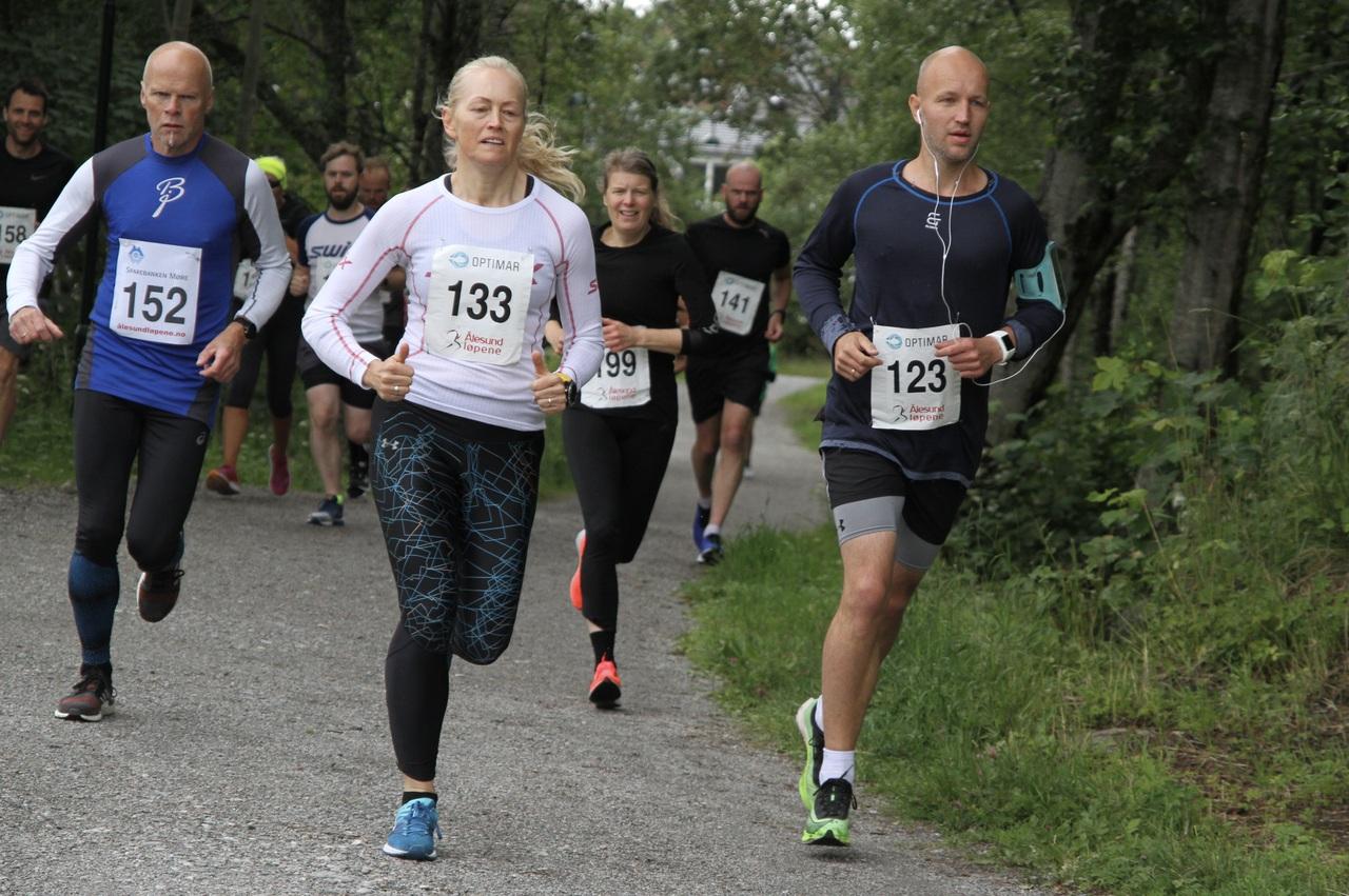 10km_nestbeste_kvinne_start
