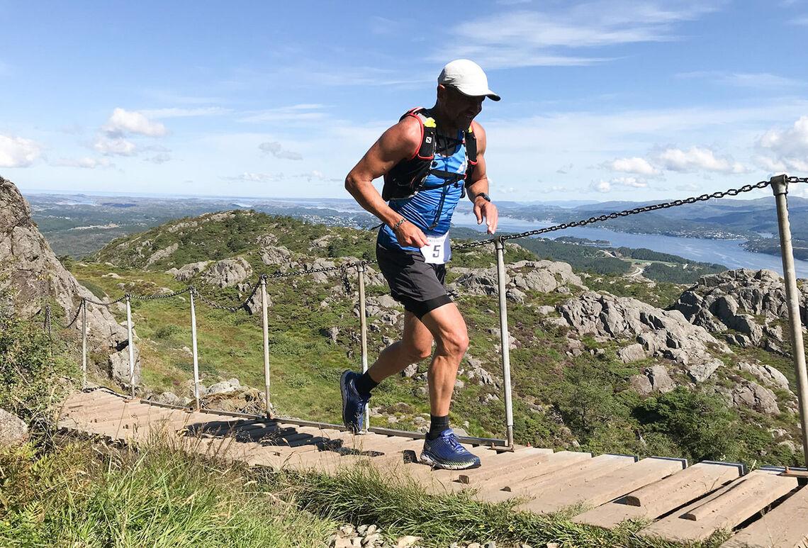 Sist års norske meister på 24-timarsløp, Arvid Haugen, vann tredjeetappen og leiar klart i samandraget. (Foto: arrangøren)