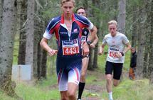 Østen Brovold Midstundstad tidlig i løpet med Magnus Salberg og Magnus Sedeniussen i rygg. (Foto: Janne Skorafoss)