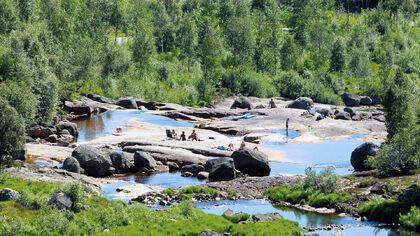 Bading i Monn på Ljosland_Eirik Birkeland