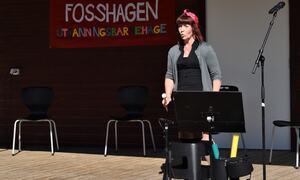 Kari Malmanger framførte fleire barnesongar. (Foto: Mariann Skau)