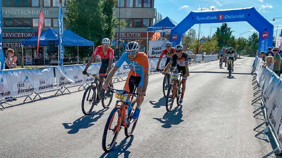 Vidar Mehl, Raufoss & Gjøvik SK/Hard Rocx Swix først over mål fulgt av Marius Fjeld, Asker CK, Ole Hem, Romeriksåsen SK og Martin Røste Omdahl, Raufoss & Gjøvik SK som alle fikk samme tid som vinneren. (Arrangørfoto)