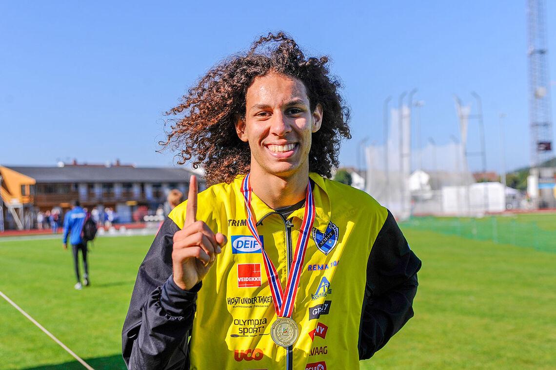 Moa Abounnachat Bollerød har tatt et stort steg fremover denne sesongen, og han vant klart 1500 meter i junior-NM. (Alle foto: Arne Dag Myking)