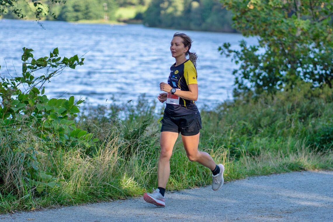 Heidi Nassehi vant maraton for kvinner i årets koronaversjon av Stavanger Marathon. (Foto: Stavanger Fotoklubb / Tor Helge Torgersen)