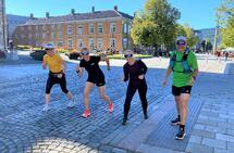 F.v: Sarah Portmann, Anne Woldmo, Vigdis Gabrielsen Sandø og John Erik Lein stilte opp da Anne Woldmo ønsket selskap under det virtuelle Trondheim Maraton. (Foto: Solfrid Hagen)