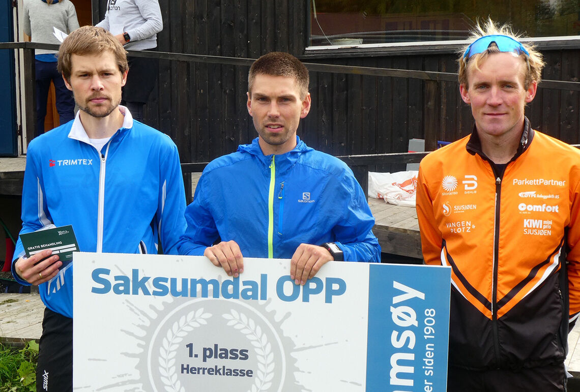 Geir Steig (midten) vant, mens Oddvin Offigstad (til venstre) ble nummer to og Magnus Bleken nummer tre. (Foto: Ole Geir Hammershaug)