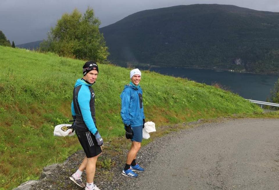 960_Brødrene Johan og Anders Bugge på nedtur.jpg