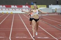 Medaljegrossist Sigrid Jervell Våg kan juble over et nytt NM-gull. Denne gangen på 5000 m. (Foto: Bjørn Johannessen)