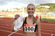 Andrea Modin Engesæth var fornøyd med å løpe under 10 minutter for første gang da hun vant 3000 meter hinder i NM. (Foto: Bjørn Johannessen)
